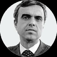 <p>És editor, ha estat director editorial de Grup 62, l'Esfera dels Llibres, director de l'Institut de les Empreses Culturals, director de Catalunya Radio, professor associat de la Facultat de Comunicació Audiovisual de la Universitat Pompeu Fabra i conseller del Consell de l'Audiovisual de Catalunya.</p>
