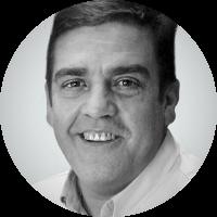 Periodista. Ha treballat en diversos mitjans de premsa, ràdio, televisió i Internet exercint l'ofici durant 40 anys. Columnista a 'L'Esportiu' i autor de llibres sobre la història del Barça.