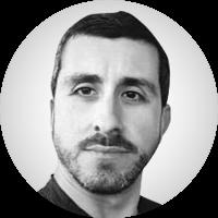 <p>Joan Antoni Guerrero Vall<br /> (Reus, 1979)<br /> <br /> Llicenciat en Periodisme per la Universitat Autònoma de Barcelona (UAB). Ha treballat a Diari de Tarragona, Europa Press, Diari d'Andorra, ARA i Nació Digital. Així mateix, ha col·laborat amb el setmanari El Temps. També ha format part de l'equip fundador de la versió catalana de la plataforma internacional Global Voices, que va obtenir el Premi Blogs en la categoria de Comunicació i Nous Mitjans el 2013. És autor del llibre Cuba-EEUU: la hora del deshielo, publicat per l'Editorial UOC.<br /> <br /> </p>