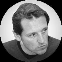 <p>Poeta. Ha escrit tres llibres de poesia: <em>Els dies a les mans,</em><em>Fragments d'una pedra, </em>i<em>Mar da Morte</em>.En relacióamb el vi, va publicar<em> La historia del cava</em> que va rebre el premi Gourmands 2017 al millor llibre del món d'història del vi. És director del Festival de Poesia a les Caves.Va ser impulsor del Manifest Poetes per la Independència de Catalunya l'any2014.</p>
