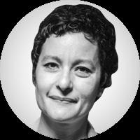<p>Anna Rius Ulldemolins va néixer a Can Palet i actualment és veïna del barri de Sant Pere Nord de Terrassa i mare de dos fills. Està vinculada a la cooperació internacional i ha treballat en projectes en l'àmbit de la salut, la governabilitat democràtica local, el gènere, les desigualtats i la discapacitat com a co-cordinadora de la Càtedra UNESCO en Salut Visual (UPC) i amb diverses ONG terrassenques. HA estat involucrada des de l'any 1995 en moviments socials i campanyes d'activisme polític a Terrassa, Barcelona i Madrid.</p>