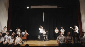 Espectacle 'English Day' a l'Institut Baix Camp.