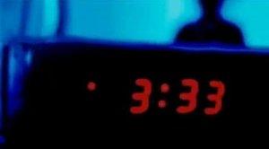 Despertar-se entre les tres i les quatre de la matinada pot tenir una explicació sobrenatural.