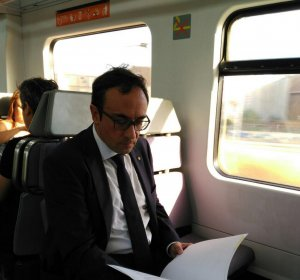 Josep Rull al tren de Rodalies