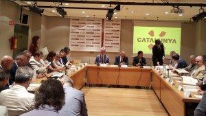 Els representants de les entitats que han firmat l'acord per crear el SIITC.