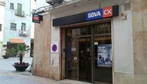 Imatge del caixer automàtic del BBVA que ha estat tancat