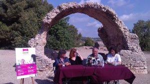La vil·la romana ha acollit la presentació del cicle. D'esquerra a dreta: Montse Castellarnau, Anna Estrada, Fèlix Alonso i Mònica Borrell