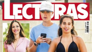 Andrea Janeiro y su novio en la revista 'Lecturas'
