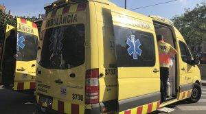 Dues ambulàncies del SEM han treballat al lloc dels fets.
