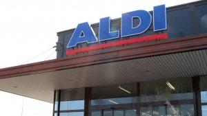 Imatge de l'entrada de l'ALDI del costat de la LL-11 de Lleida