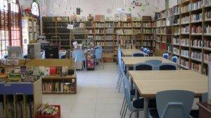 L'actual Biblioteca Municipal es troba a les escoles Teresa Manero