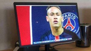 Neymar al fons de pantalla d'un Mac