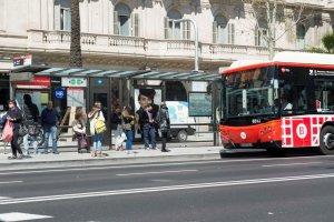 1-O.- TMB retira tota la publicitat del Metro i els autobusos relacionada amb el referèndum