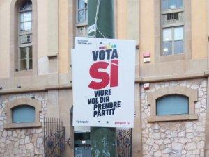 C's demana a l'Ajuntament retirar dels carrers la publicitat de l'1-O