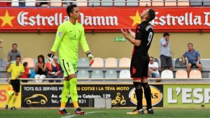 Èdgar Hernández es lamenta per haver fallat el penal a favor en el minut 4 de partit