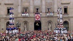 Els Castellers de la Vila de Gràcia i els Castellers de Sants, actuant a la Mercè.