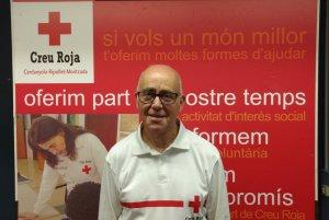 En Francesc fa uns 40 anys que és voluntari de la Creu Roja