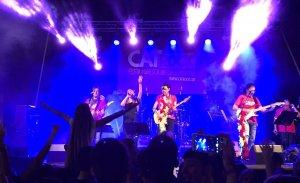 Imatge d'un concert de Cat Rock.