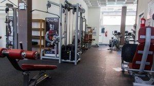 La varietat d'aparells a la sala de musculació és una de les grans apostes de Zona Fitness