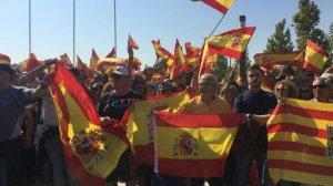 Manifestants boicotegen l'acte de Podem a Saragossa i agredeixen la presidenta de les Corts Aragoneses