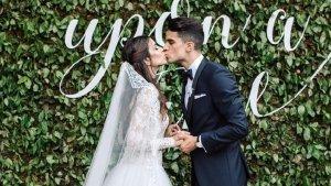 Marc Bartra i Melissa Jiménez el dia del seu casament.