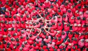 Pinya de la Colla Joves, que han utilitzat simbòlicament pel moment que viu el país.