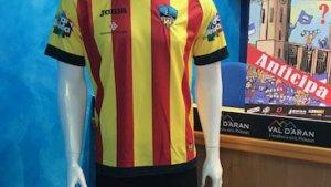 Un àrbitre prohibeix al Lleida Esportiu jugar amb la samarreta de la senyera