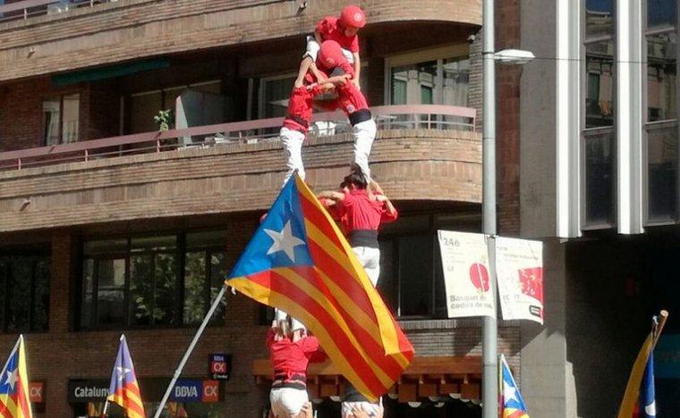 Castell de la Joves de Valls a la manifestació de l'11 de setembre a Barcelona.