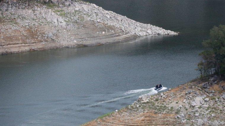 La baixada del nivell de l'aigua del pantà de Susqueda ha facilitat la troballa dels cossos