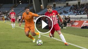 Borja pressiona el control de la pilota per part d'un rival