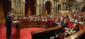 CATALUNYA.-AV.- JxSí y la CUP proponen que Puigdemont comparezca el lunes en el Parlament