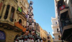 El 3 de 9 amb folre dels Castellers de Sants a l'Arboç.