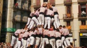 Pilar de 8 amb folre i manilles carregat pels Minyons a Barcelona.