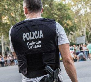 Un agent de la Guàrdia Urbana