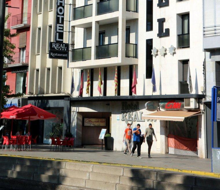 Façana de l'Hotel Real de Lleida, on estan allotjats alguns dels policies espanyols enviats a Lleida per l'1-O