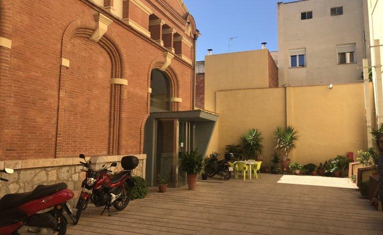 Imatge de l'exterior de la redacció de Reus, seu central del grup.