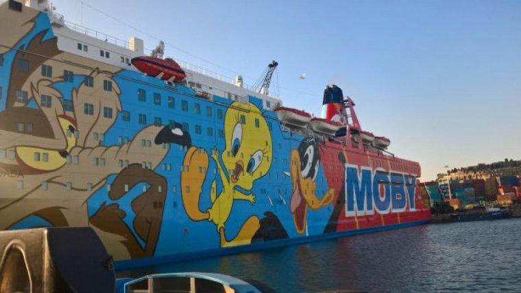Imatge del vaixell on estan allotjats els policies.