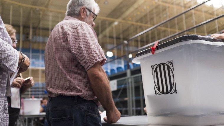 El referèndum de l'1 d'octubre ha aconseguit dinamitar catorze pactes de govern a Catalunya