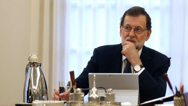 Mariano Rajoy planeja destituir el Govern de la Generalitat si aplica l'article 155.
