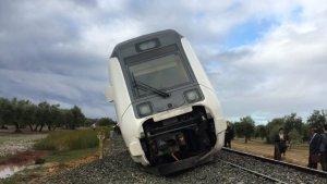 Descarrila un tren Málaga-Sevilla en Arahal, con varios pasajeros heridos
