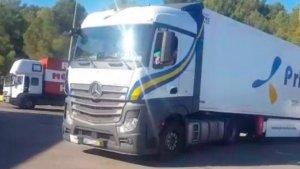 El camió va quedar immobilitzat a l'àrea de servei d'Altafulla