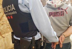 Els detinguts van forçar una trentena de parades d'un mercat de Terrassa