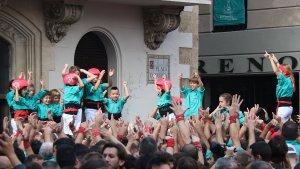 Els més petits dels Castellers de Vilafranca celebren una gran diada de Tots Sants.