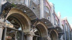 Imatge de la porta d'entrada al Mercat Central de València