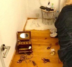Imatge d'un dels robatoris al carrer Santiago Rusiñol