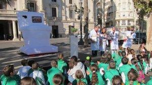 Inodor gegant en la Plaça de l'Ajuntament de València