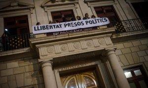 Manifestació a Reus contra l'empresonament del vicepresident i dels vuit consellers