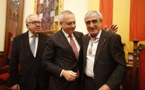 Manuel Royes, Pere Navarro i Alfredo Vega, en l'acte d'investidura del nou alcalde