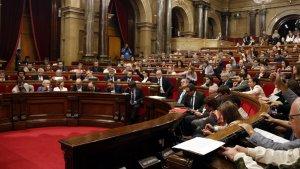Moment de la votació al Ple del Parlament per aprovar la llei de creació de l'Agència Catalana de Protecció Social el dijous 7 de setembre