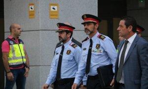 Pla mitjà del Major dels Mossos, Josep Lluís Trapero, a les portes de l'Audiència Nacional aquest 06/10/2017